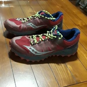 Pair of Saucony Peregrine 7 trail running shoes